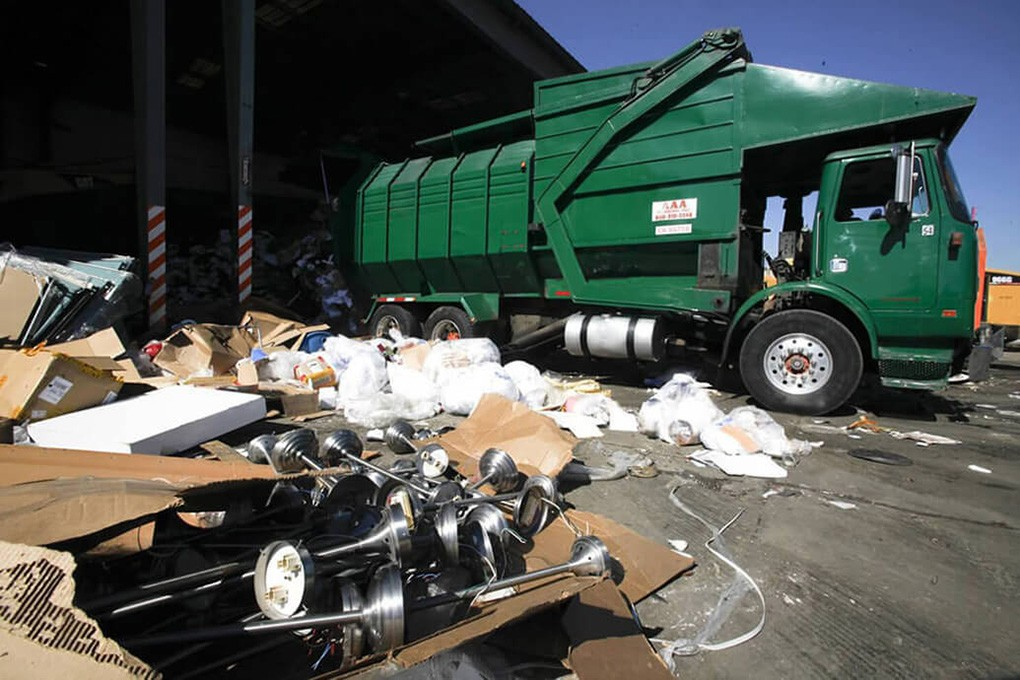 Trash Hauling-Lubbock Dumpster Rental & Junk Removal Services-We Offer Residential and Commercial Dumpster Removal Services, Portable Toilet Services, Dumpster Rentals, Bulk Trash, Demolition Removal, Junk Hauling, Rubbish Removal, Waste Containers, Debris Removal, 20 & 30 Yard Container Rentals, and much more!